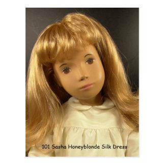 101 Sasha Honeyblonde Silk Dress cartão postal