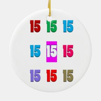 15a décima quinta data da rua do aniversário do ornamento de cerâmica redondo
