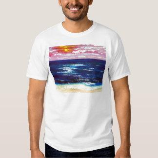 2 felizes - Presentes da arte da praia do por do Camisetas