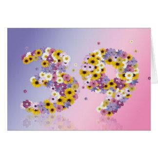 39th cartão de aniversário com letras floridos