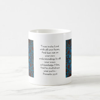 3:5 inspirado dos provérbio das citações da bíblia caneca de café