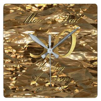 50th Pais do casamento dourado de aniversário de Relógio Quadrado
