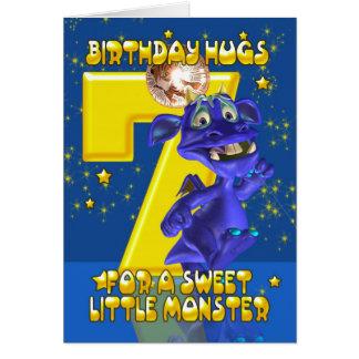 7o Cartão de aniversário com o monstro azul bonito