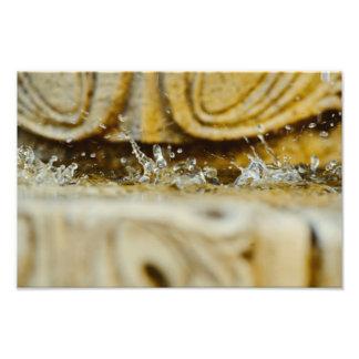 A água deixa cair o macro impressão fotográfica