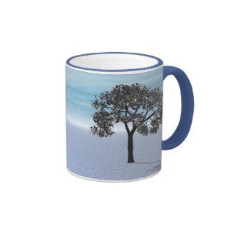 A árvore do inverno caneca com contorno