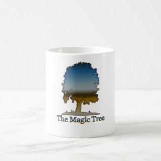 A árvore mágica caneca