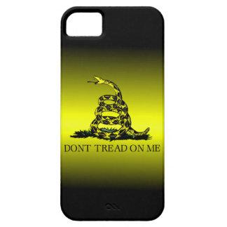 A bandeira de Gadsden amarela e preta desvanece-se Capa Barely There Para iPhone 5