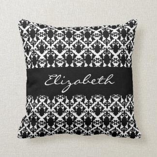 A beleza preto e branco do damasco personaliza almofada