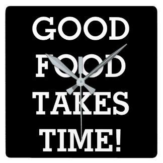 A boa comida toma o tempo relógios para pendurar