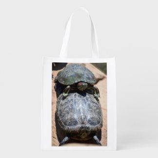 A bolsa de compra reusável da pilha de duas sacola ecológica