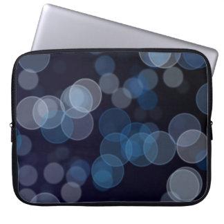 A bolsa de laptop de Bokeh dos azuis marinhos Capa Para Laptop