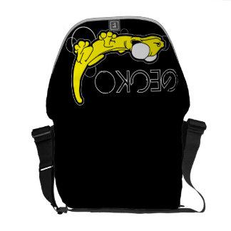 A bolsa mensageiro (amarela) do ébano de Tarente
