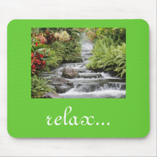 A cachoeira relaxa mouse pad
