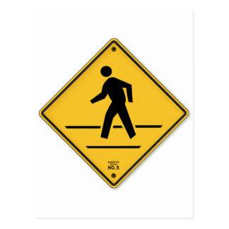 A caminhada do sinal da faixa de travessia não cartão postal