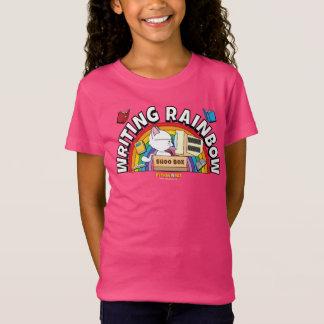 A camisa da menina do arco-íris da escrita
