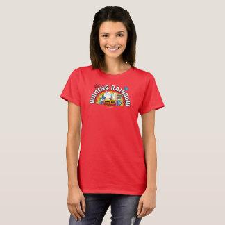 A camisa das mulheres do arco-íris da escrita