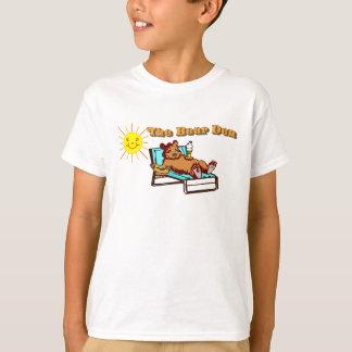 A camisa do miúdo do antro do urso