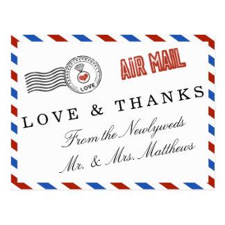 A coleção moderna do casamento do correio aéreo cartão postal