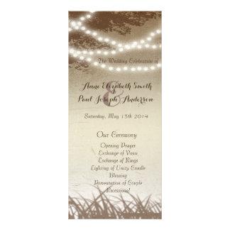 A corda ilumina as árvores que wedding o programa 10.16 x 22.86cm panfleto