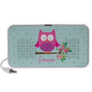 A coruja cor-de-rosa em um ramo personalizou o caixinha de som para notebook