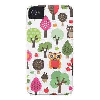 A coruja retro bonito e as árvores modelam a caixa capa para iPhone 4 Case-Mate