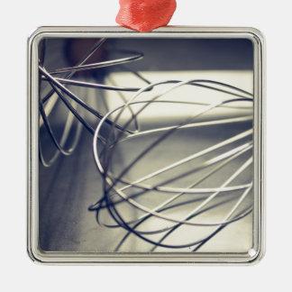 A cozinha whisk ornamento quadrado cor prata