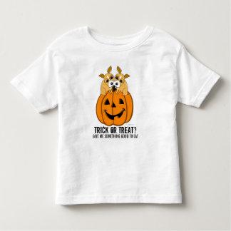 A doçura ou travessura caçoa o t-shirt 2 do