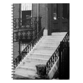 A entrada suja pisa caderno da fotografia de B&W