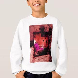 A escova afaga o rosa brilhante criativo de camisetas