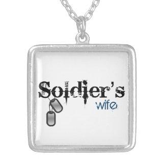A esposa do soldado colar banhado a prata