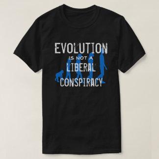 """A """"evolução não é uma conspiração liberal """" t-shirt"""