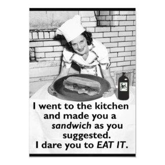 A feminista engraçada faz-me um sanduíche mulher