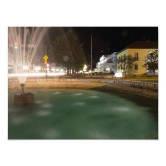A fonte e o Bathhouse de água enfileiram, Hot Spri Impressão De Foto