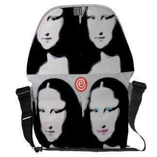 A grande bolsa mensageiro de Mun Liisa