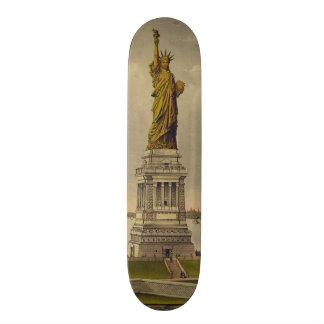 A grande estátua de Bartholdi por Ives 1885 Shape De Skate 19,7cm