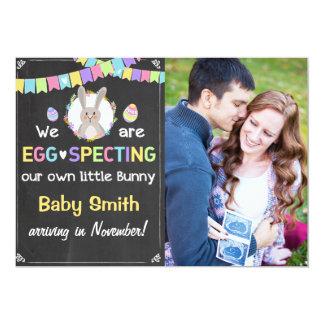 A gravidez do coelhinho da Páscoa revela o anúncio Convite 12.7 X 17.78cm