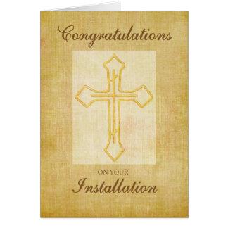 A instalação das felicitações, cruz religiosa cartão comemorativo