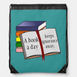 A instrução do apoio incentiva livros de leitura