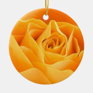A laranja bonito aumentou ornamento de cerâmica redondo
