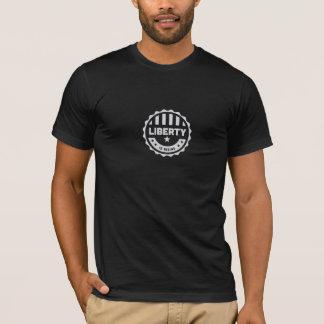 A liberdade é t-shirt de aumentação do crachá
