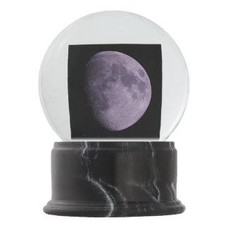 A lua - Snowglobe