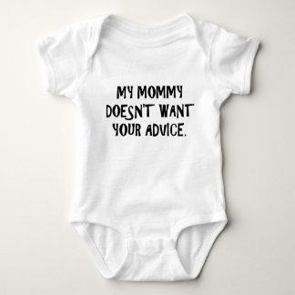 A mamãe não quer o conselho body para bebê