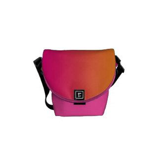"""A mini bolsa mensageiro: """"Ombre cor-de-rosa e Bolsa Mensageiro"""