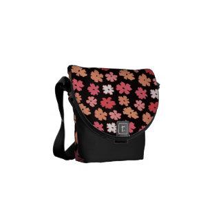 A mini bolsa mensageiro zero de flower power