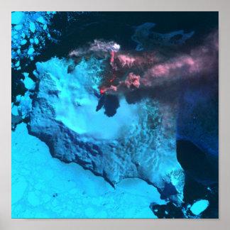 A montagem Belinda entra em erupção Posteres