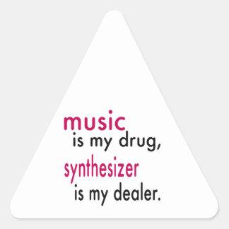A música é minha droga, sintetizador é meu adesivo triângulo