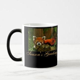 A natureza da panda vermelha tempera a caneca do