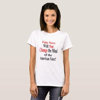A notícia falsificada não mudará a mente do camisetas