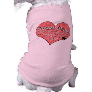 A pata do Pinscher do Doberman imprime o humor do  Camisa Sem Mangas Para Cachorro