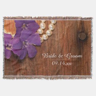 A pervinca roxa peroliza o casamento de madeira do manta